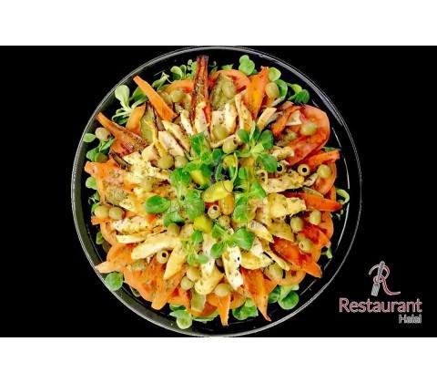 Salade de Légumes Rotis et Poulet