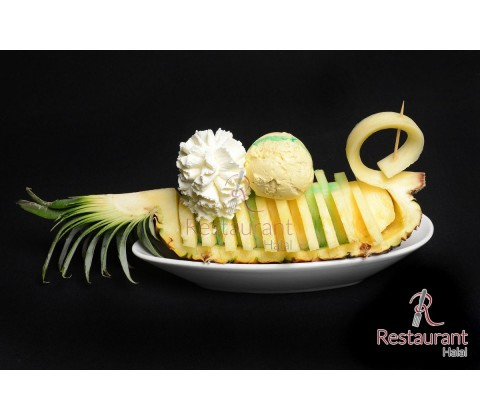 Ananas en pirogue à l'oriental